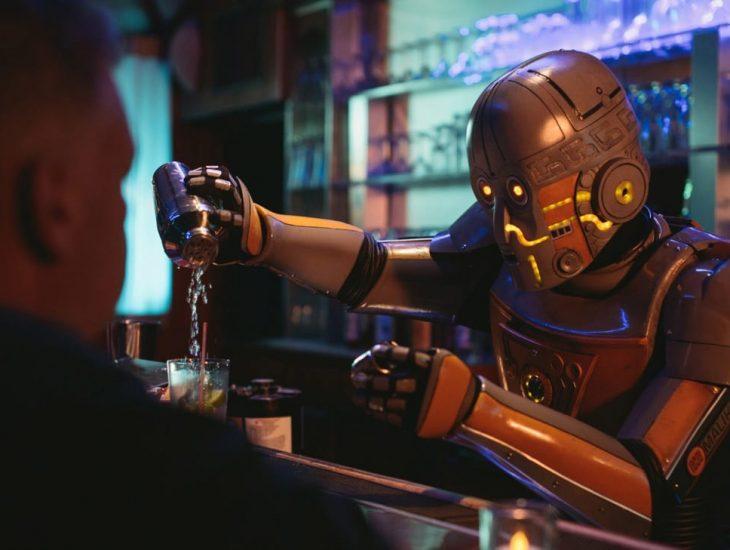 робот-бармен, Днепр, робот делает чай